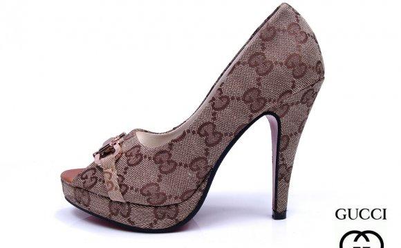 Gucci shoes heels