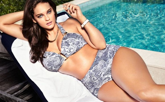 List Top 10 Plus size models
